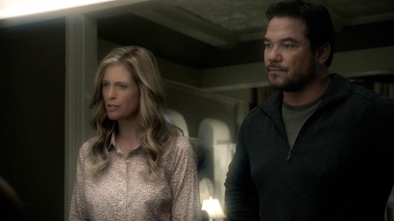 Helen Slater & Dean Cain in Supergirl episode 'Livewire'