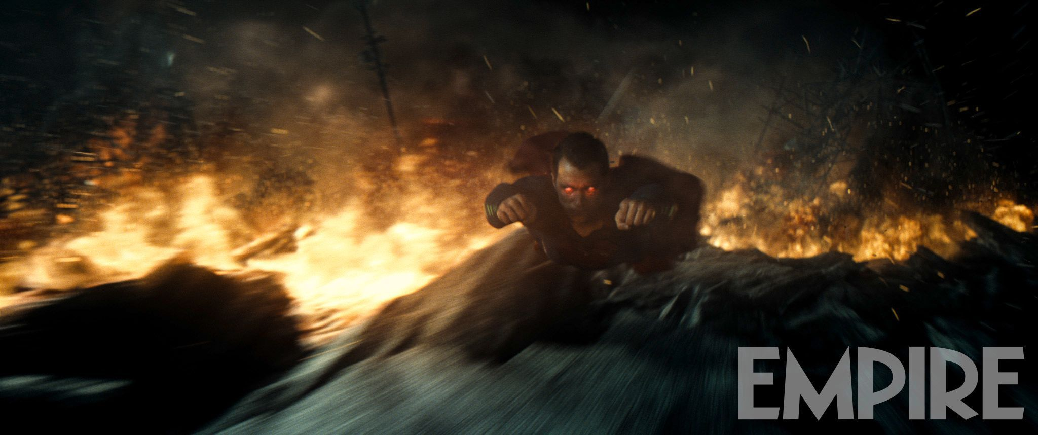 'Batman v Superman: Dawn of Justice' image from March 2016 issue of Empire Magazine