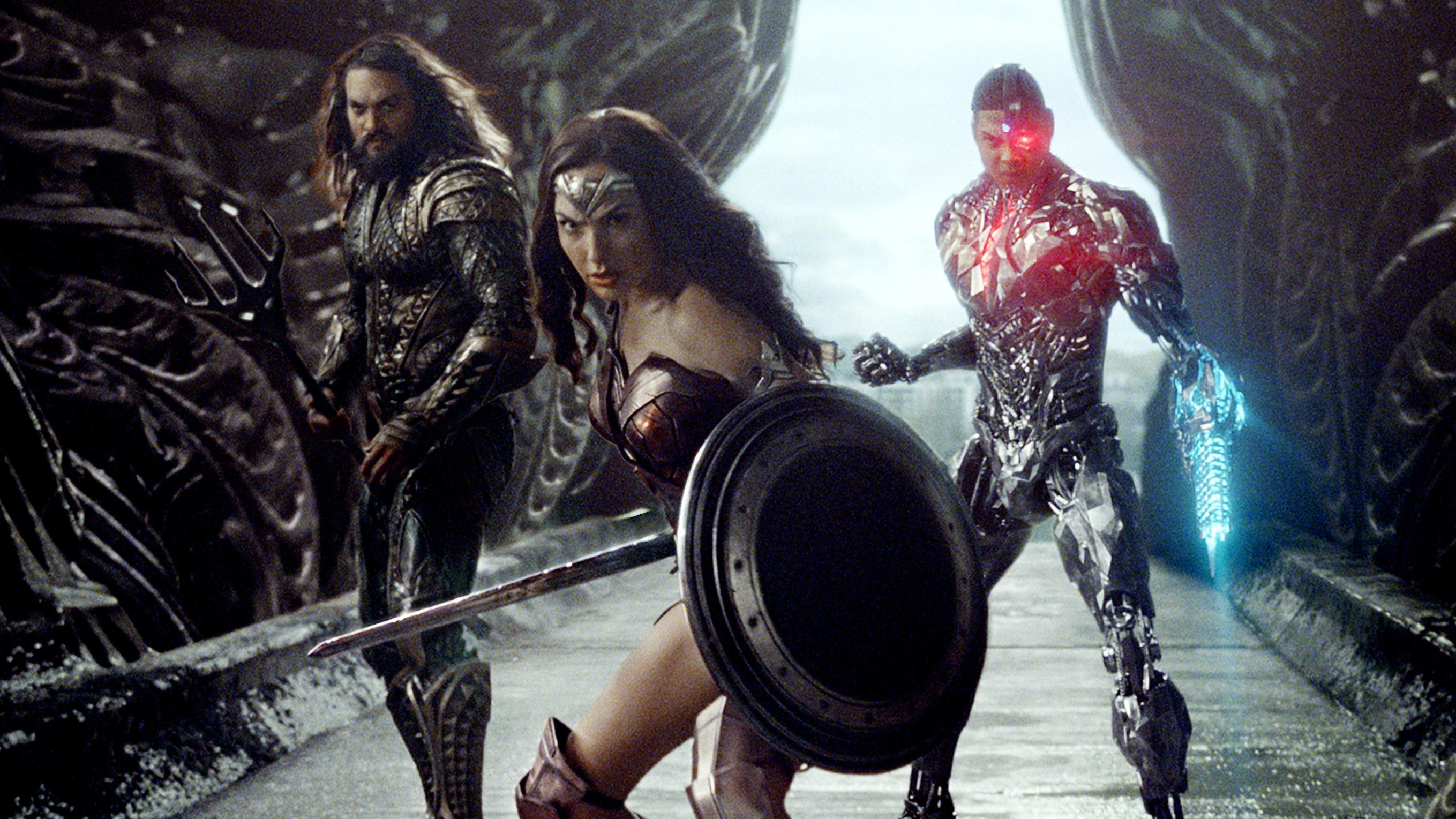 Aquaman (Jason Momoa), Wonder Woman (Gal Gadot) and Cyborg (Ray Fisher) - Justice League
