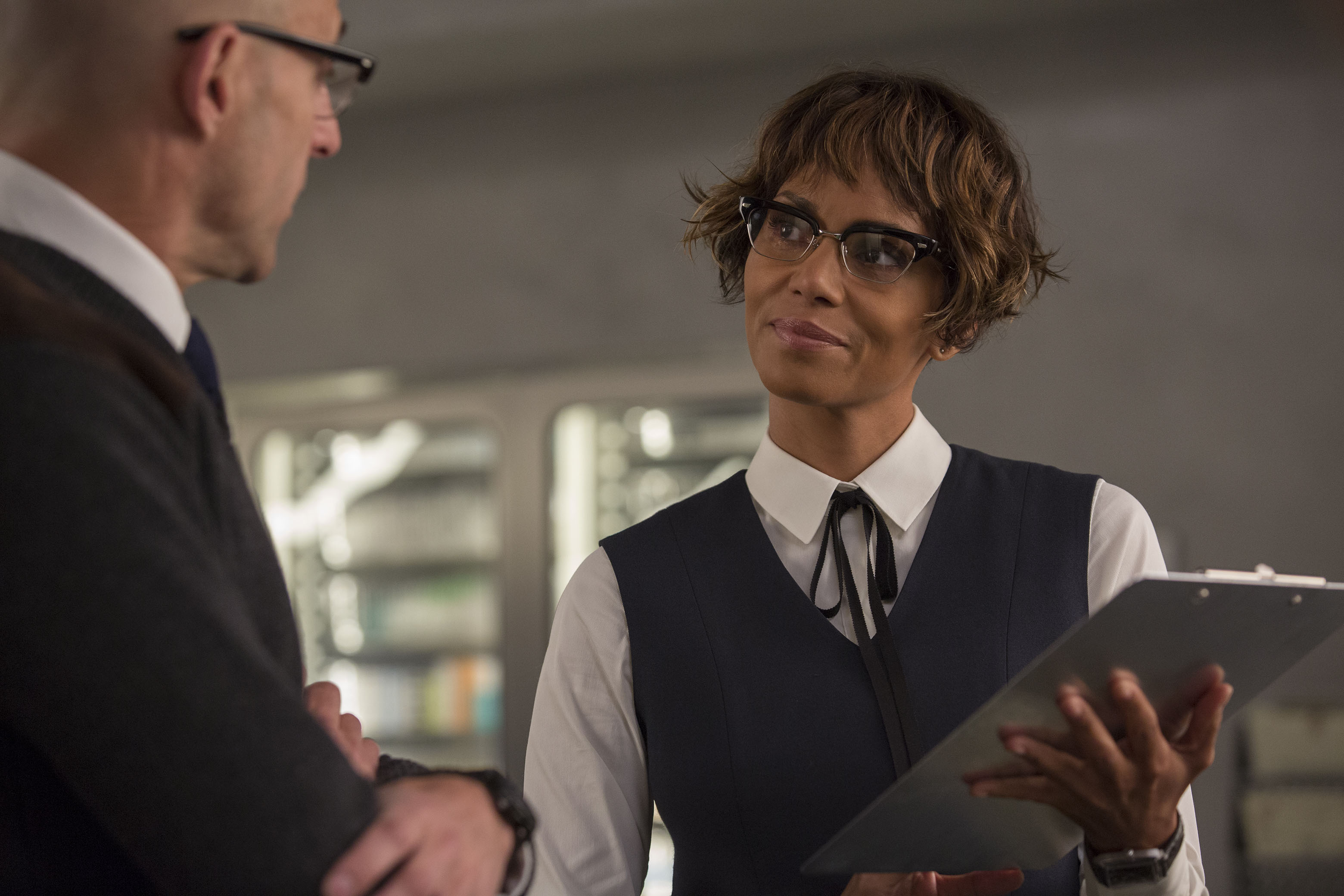 "DF-06453_r - Halle Berry stars in Twentieth Century Fox's ""Kingsman: The Golden Circle,"" also starring Colin Firth, Julianne Moore, Taron Egerton, Mark Strong, Elton John, Channing Tatum and Jeff Bridges. Photo Credit: Giles Keyte."